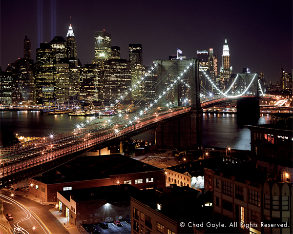 New York skyline with the Brooklyn Bridge (night)